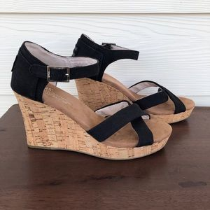 Tom's Sienna wedge black canvas cork wedge 8.5